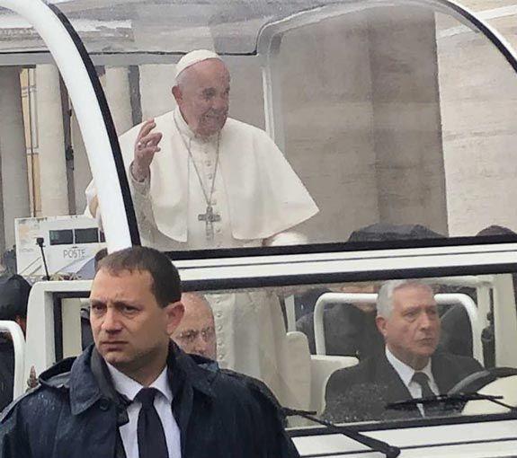 incentive-travel-exclusive-experience-viewing-the-pope_0.jpg