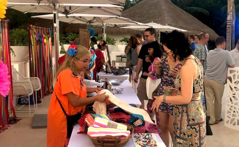 incentive travel attendees shop at onsite gifting experience